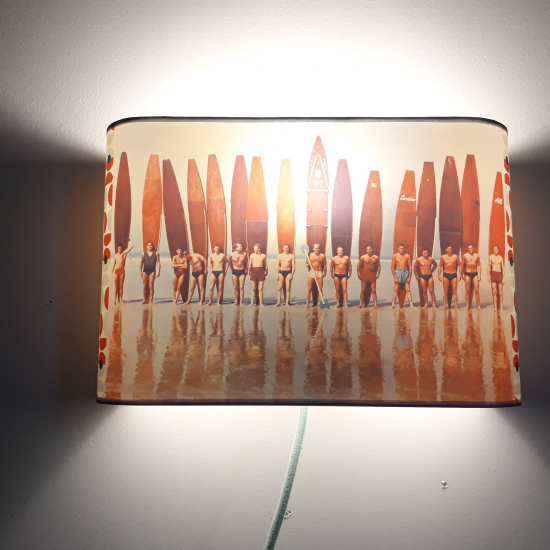 Applique ou lampe  de chevet murale surfing